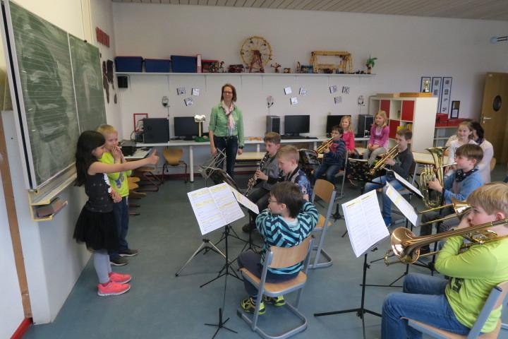 Elternbesuch bei einer Orchesterprobe